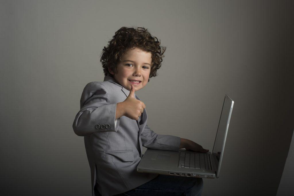 子供 ビジネスマン