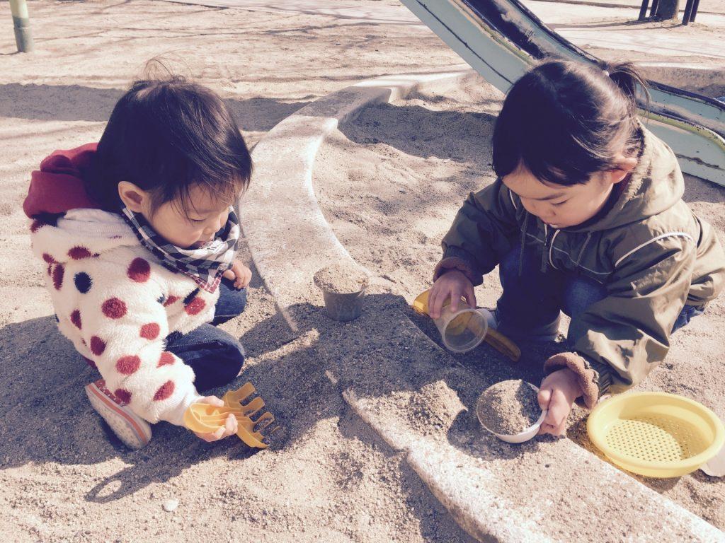 砂場 砂遊び (4)