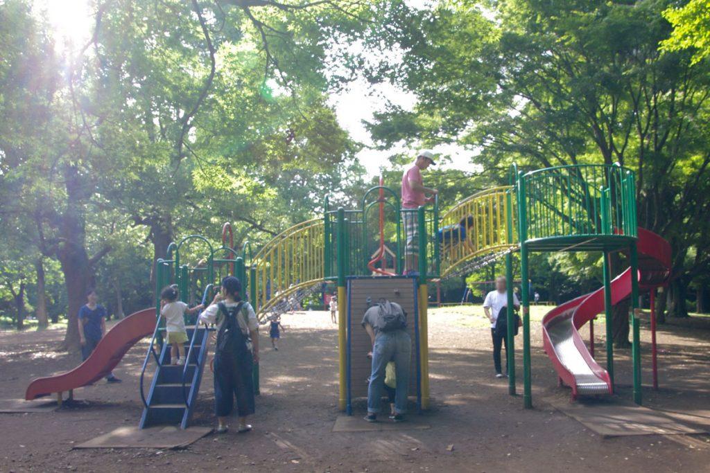 遊具エリアは木陰にあるので夏場でもおすすめです。