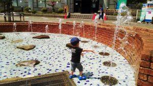 練馬高野台駅 噴水 じゃぶじゃぶ池