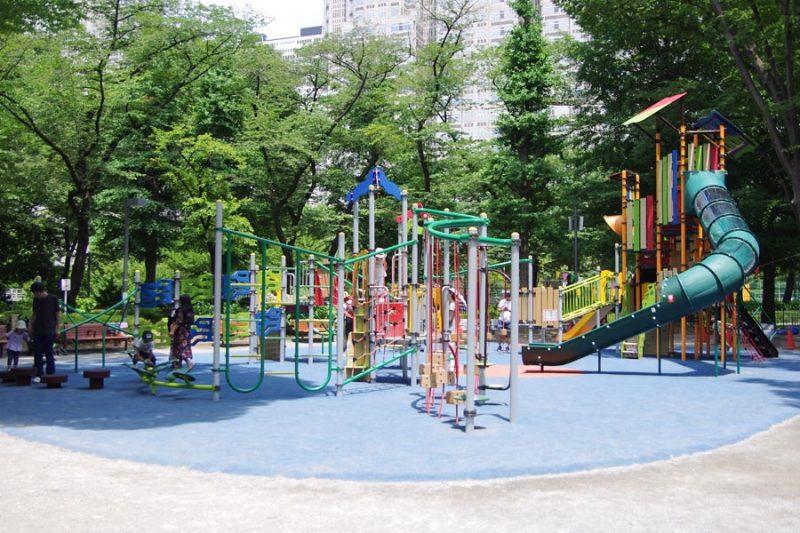 2018年 新宿中央公園 リニューアル 大型複合遊具 アスレチック (1)