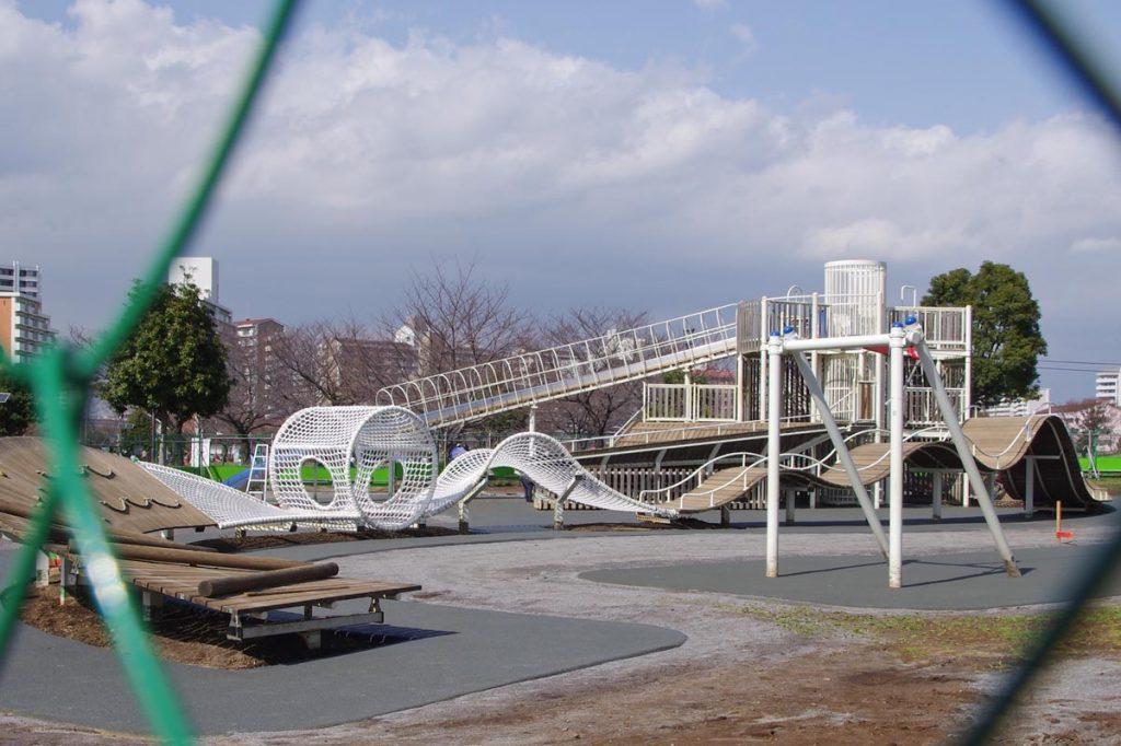 江戸川区 大島小松川公園 ローラー滑り台 アスレチック遊具