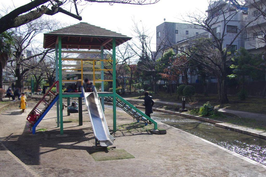 大横川親水公園 複合遊具