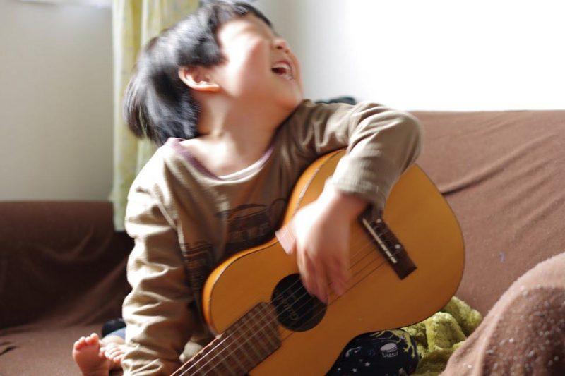 子供 ギター練習 ギタレレ 6弦 ウクレレと違う